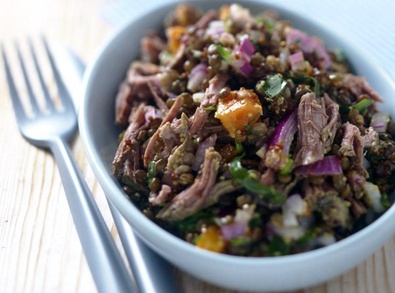 Préparer les restes de viande en salade