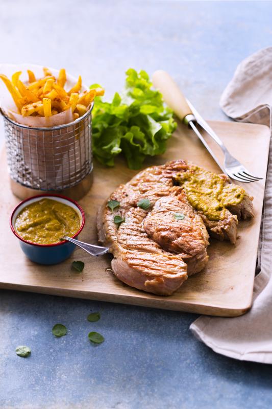 Grillade de veau et sa sauce chimichurri recettes de - Recette sauce pour viande rouge grillee ...