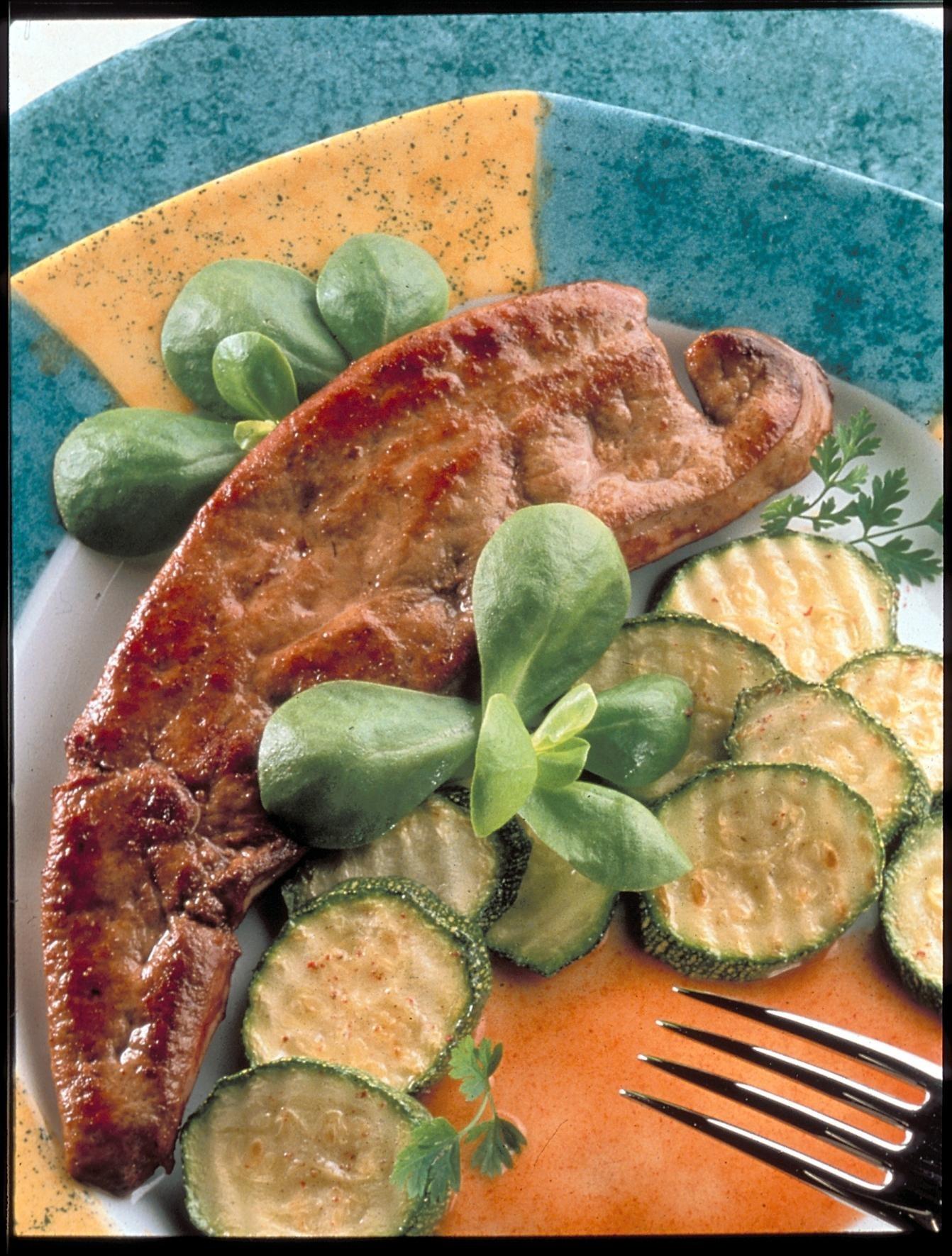 Foie de veau au paprika et po l e de courgettes recettes - Cuisiner le foie de boeuf ...