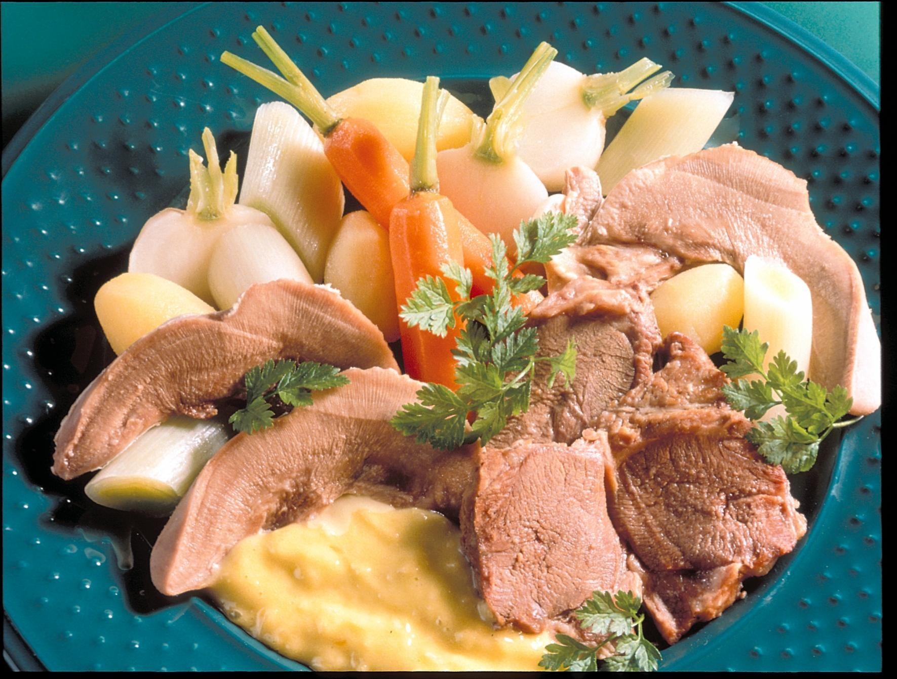 pot au feu de langues d agneau et a 239 oli recettes de cuisine la viande fr