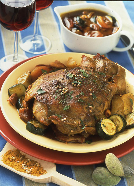 Epaule d 39 agneau en cocotte sauce aux pices et fruits frais recettes de cuisine la - Cuisiner epaule d agneau ...