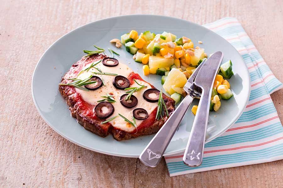 faux filet de b uf cuisin comme une pizza salade multicolore recettes de cuisine la. Black Bedroom Furniture Sets. Home Design Ideas