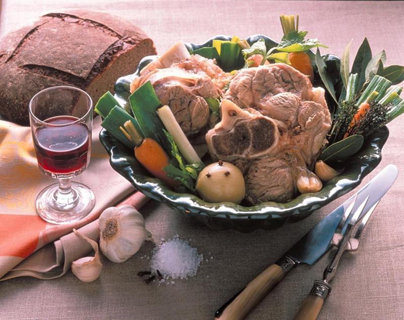 Jarret de veau aux l gumes recettes de cuisine la - Comment cuisiner le jarret de veau ...