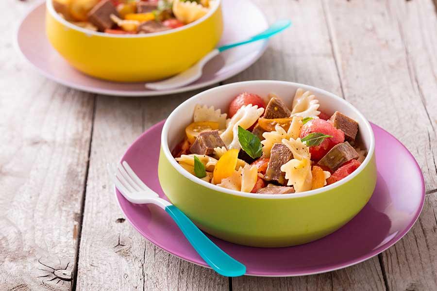 Salade de p tes la langue de b uf aux billes de past que et tomates cerise multicolores - Cuisiner une langue de boeuf ...