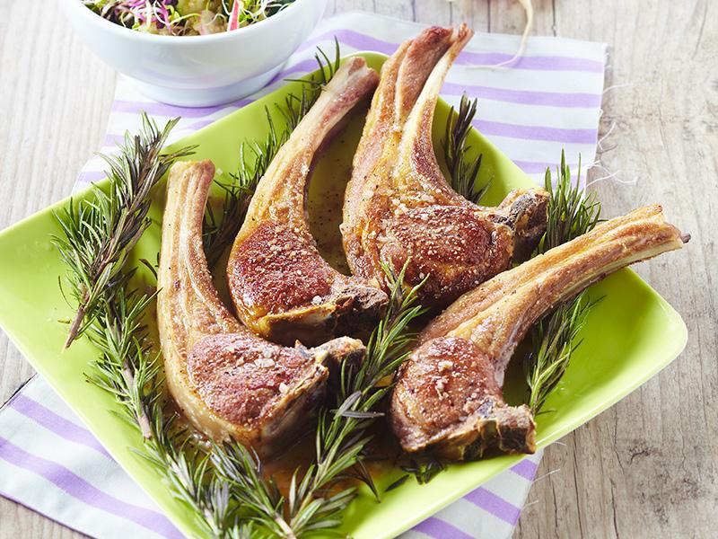 C telettes d agneau bio au romarin taboul de quinoa - Cuisiner une selle d agneau ...