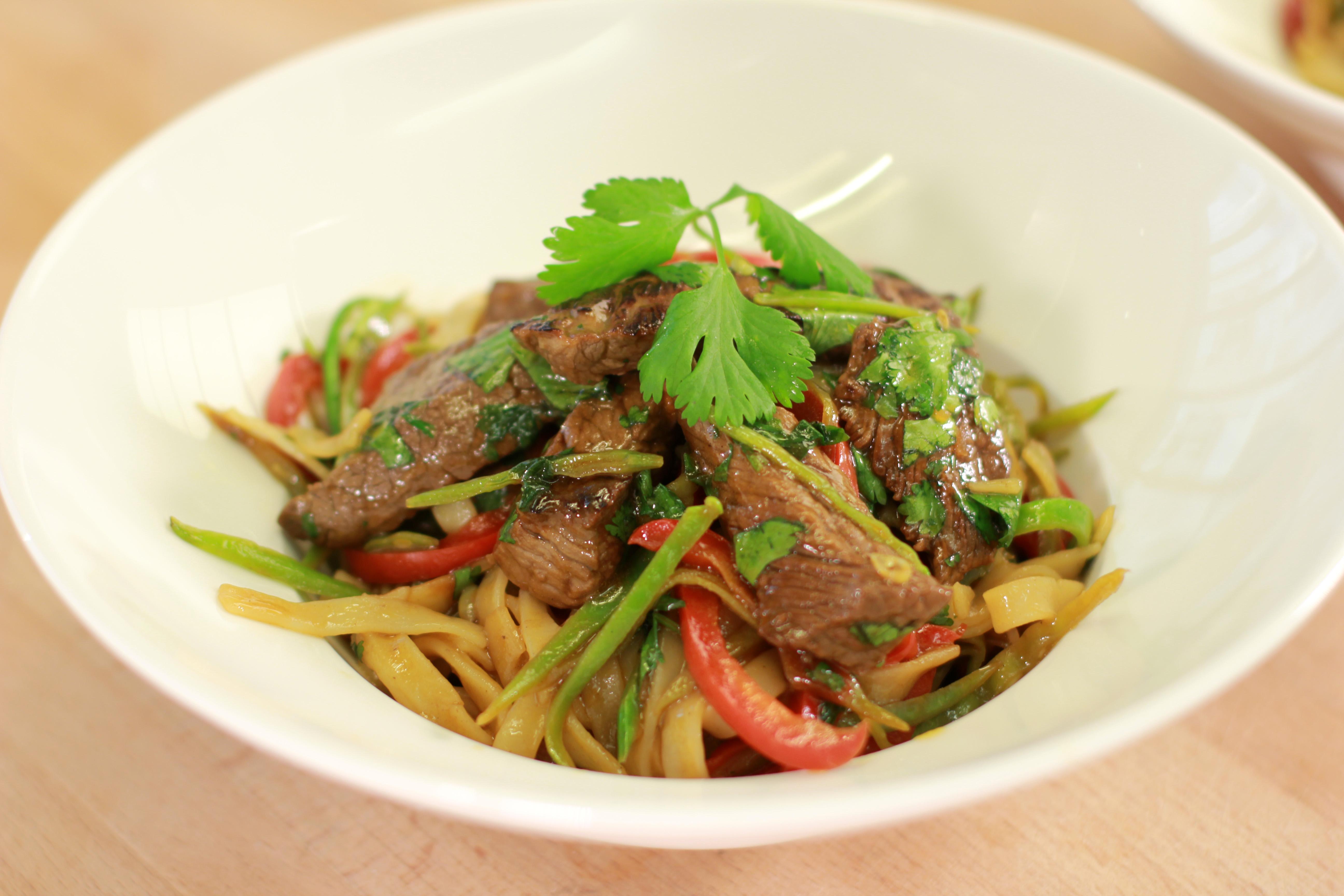 Wok de boeuf nouilles chinoises recettes de cuisine for Viande cuisinee