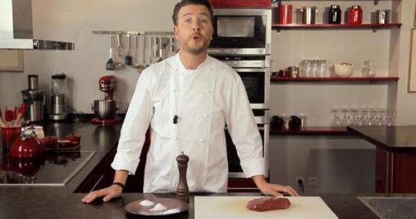 Comment assaisonner la viande cuisiner la viande les essentiels la - Cuisiner le bar ...